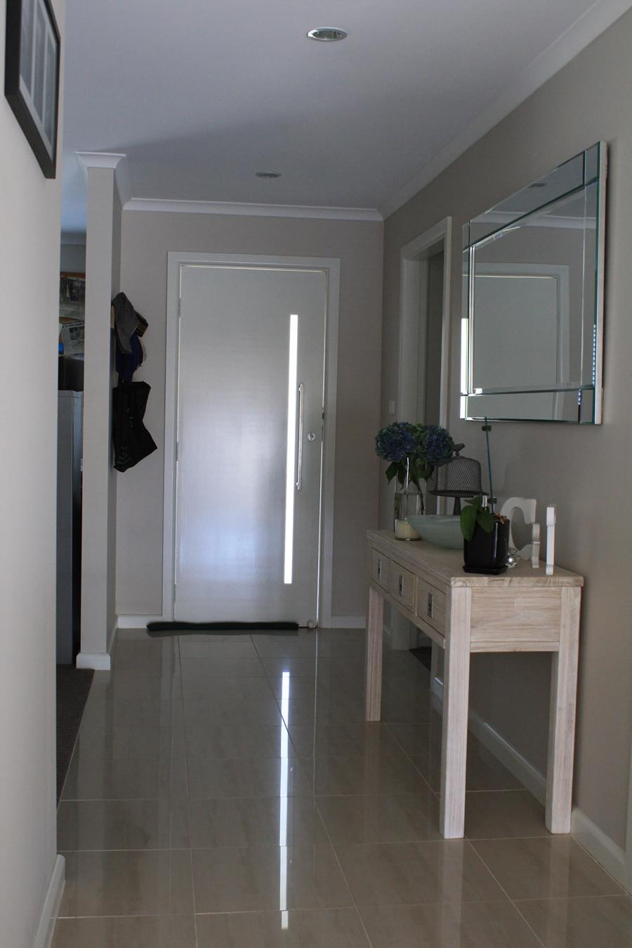 Wagga-builder-Cochrane-st-units-hallway
